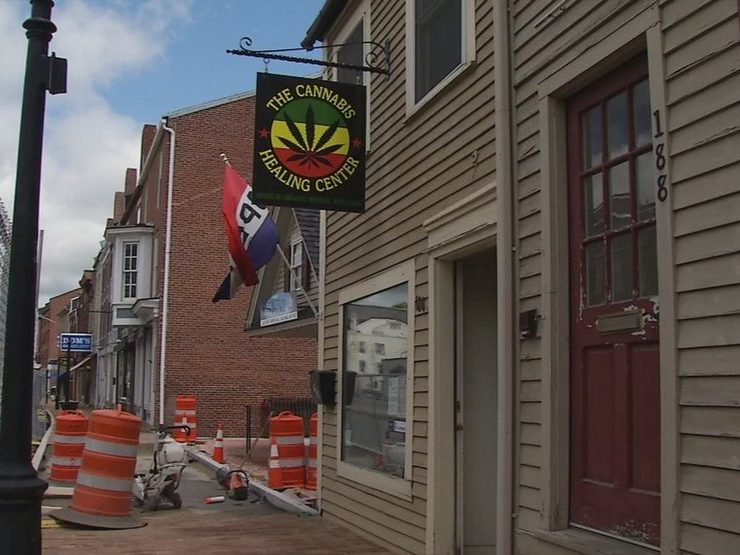 Maine: Proposed amendment would let municipalities control all retail marijuana stores