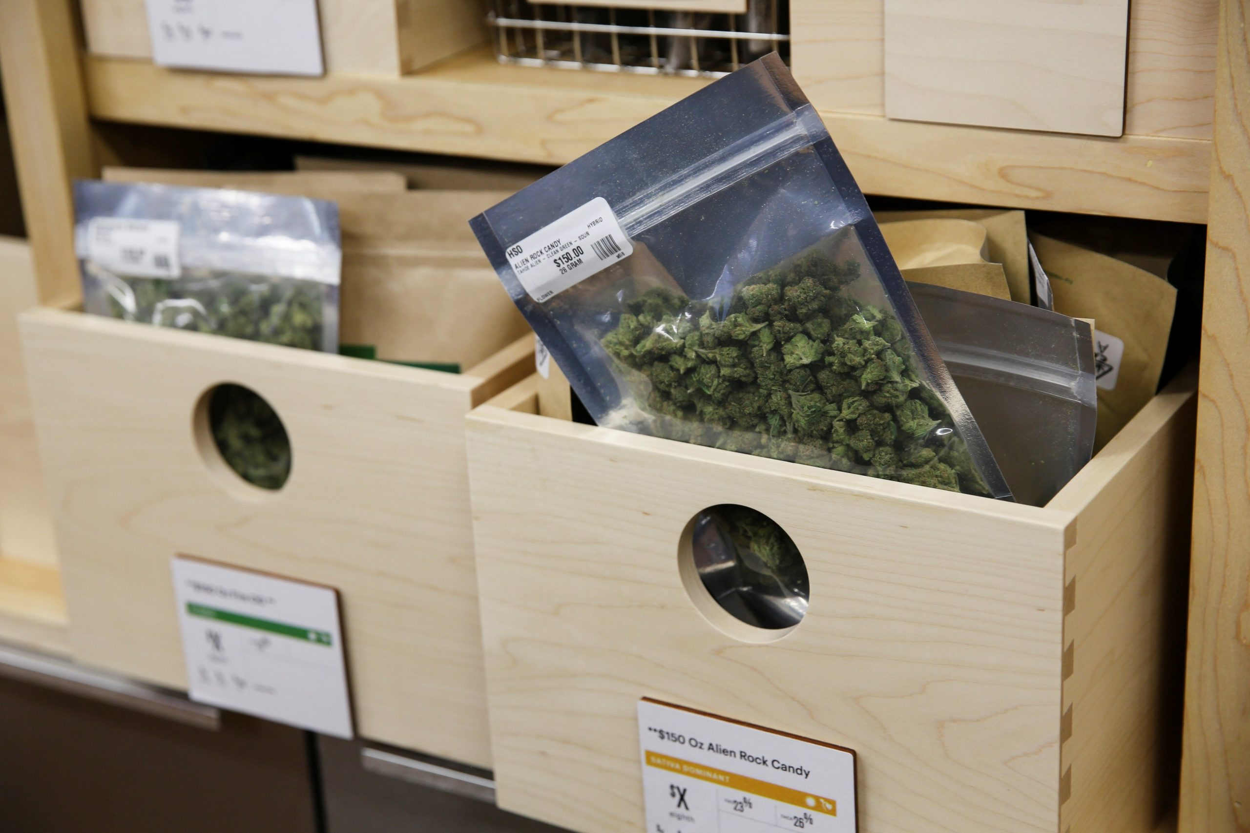 """An easy fix could give the marijuana industry access to banking - """"Banks will one day have to face the question of whether state and local governments, which receive tax revenue from cannabis, should be subject to reporting or de-banking"""""""
