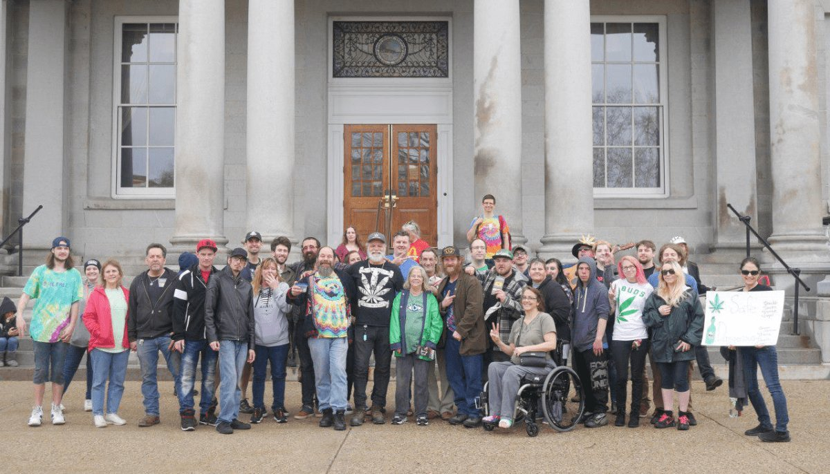 VIDEO: Cannabis Civil Disobedience Hits NH State House for 9th Year of 420 at 4:20 on 4/20