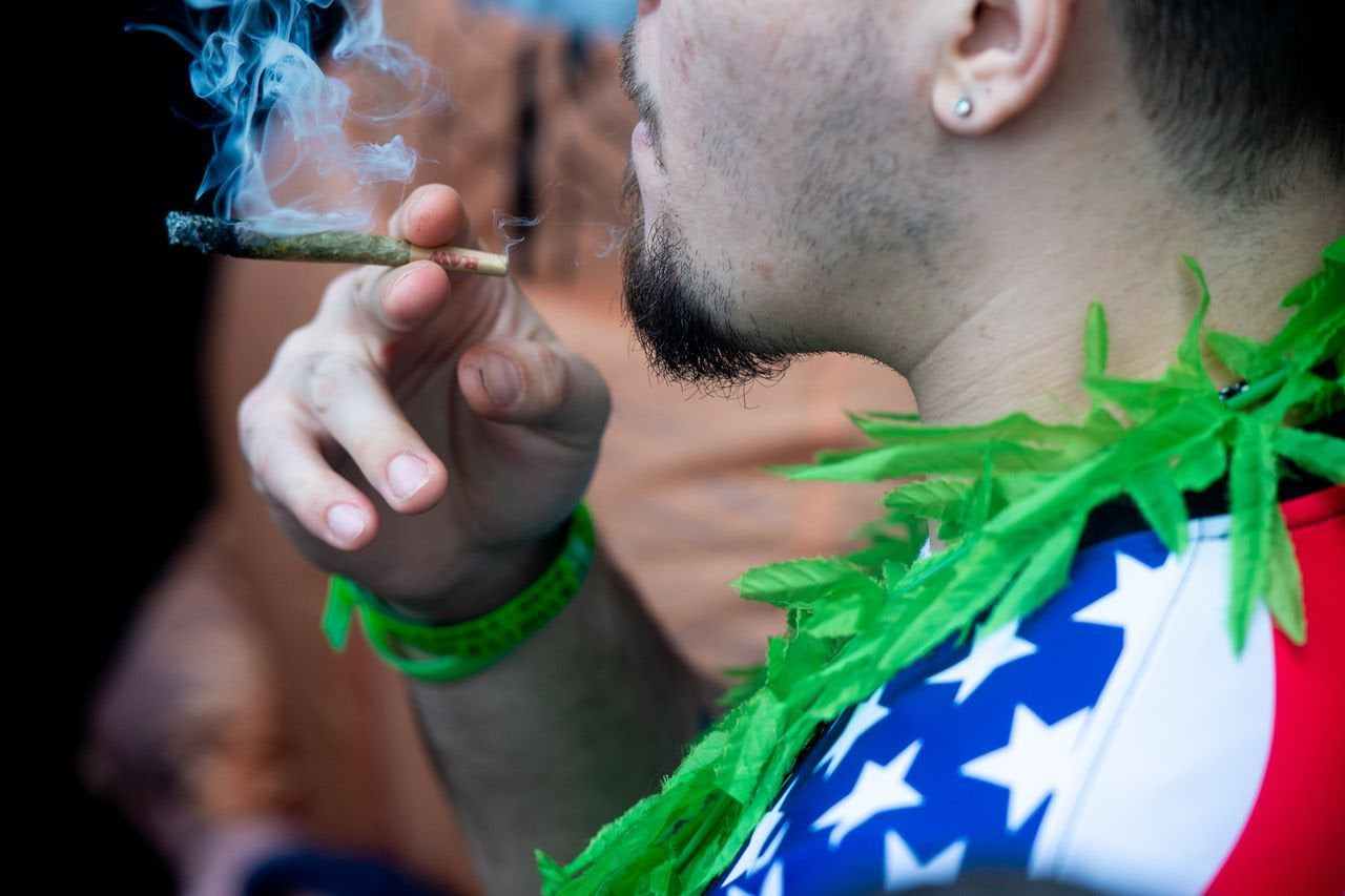 N.J. lawmakers advance second bill to decriminalize weed