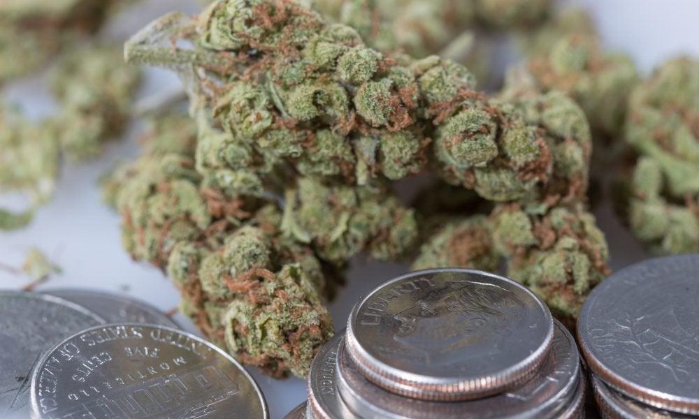 Top Senate Democrat Includes Marijuana Banking Protections In New Coronavirus Relief Bill